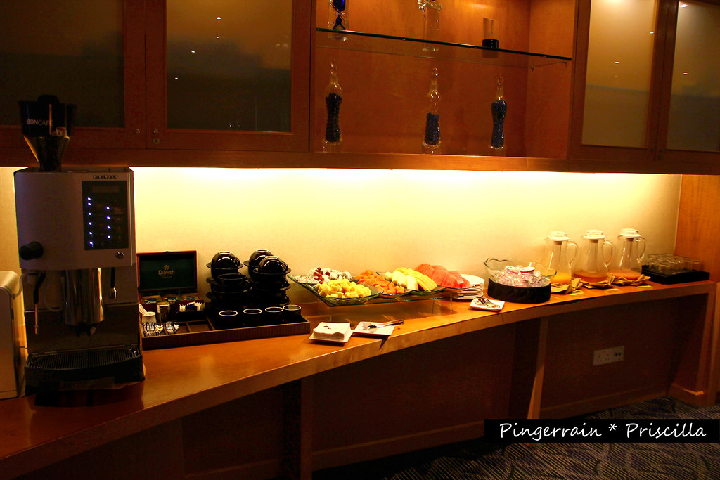 Breakfast spread in Club lounge