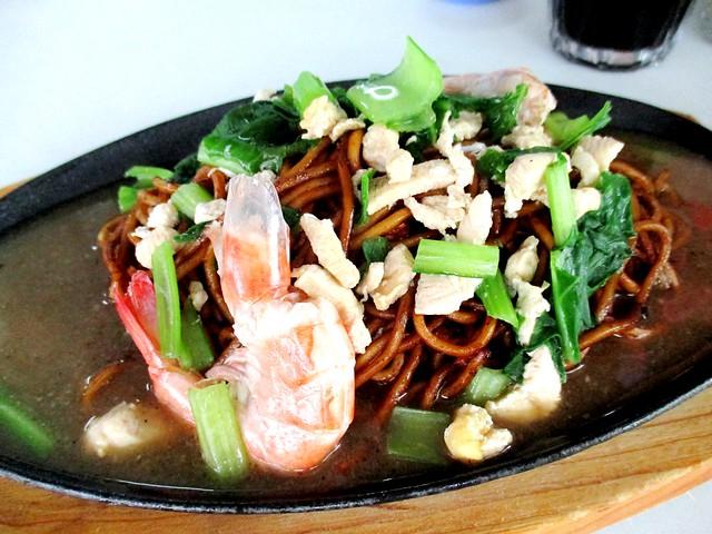 YummyKafe sizzling noodles