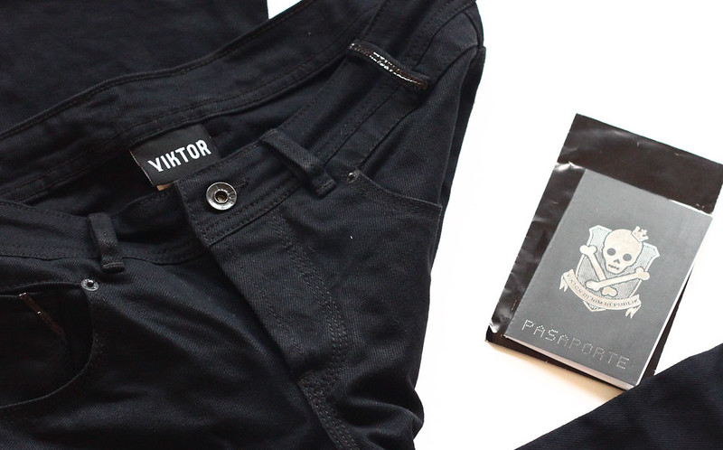 viktor jeans passport