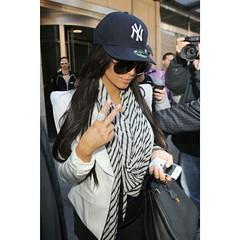 Kim Kardashian wearing NY Yankees New Era 39THIRTY Cap . . READY STOCK SIZE  S-M ONLY ... 1af8fd8e1c3