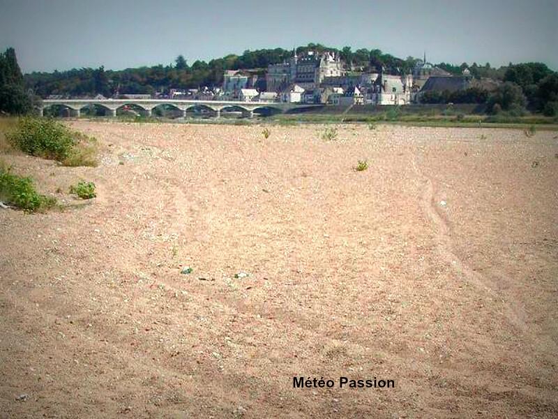 étiage de la Loire à Amboise durant l'été 2003 météopassion