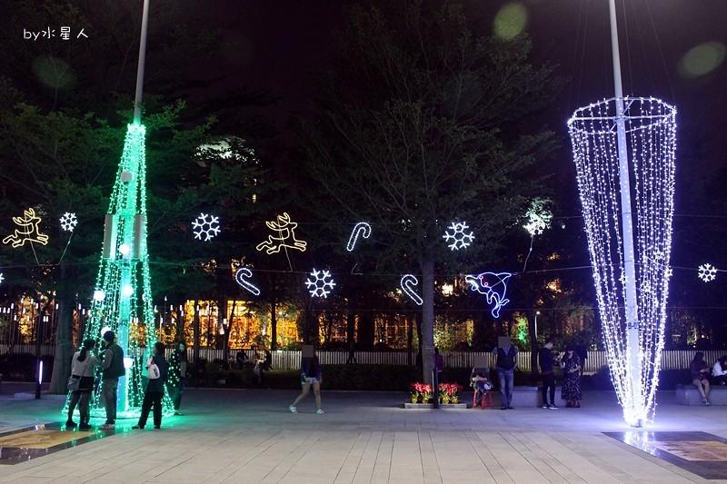 30779816603 6e8df8bbaf b - 2016台中耶誕YA!耶誕嘉年華,市政廣場耶誕節系列活動,讓你白天與夜景一次看個夠