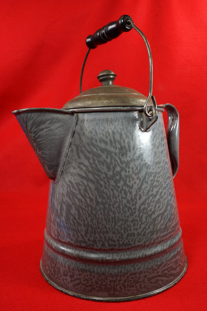 RD14935 Antique Large Gray Graniteware Coffee Pot with Lid & Black Wood Handle  DSC07528