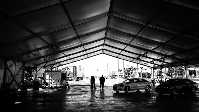 The meeting - Miami, Florida - Black and white street photography