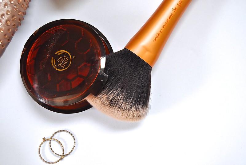 The Body Shop Honey Bronzer 2