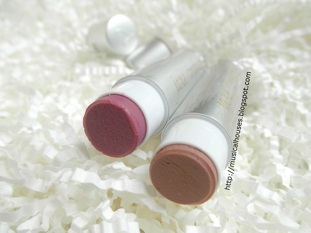 Jane Iredale Lipdrink Lipbalm Buff Crush Open 1