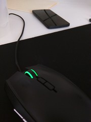 electronic device(1.0), white(1.0), multimedia(1.0), gadget(1.0), mouse(1.0), black(1.0),