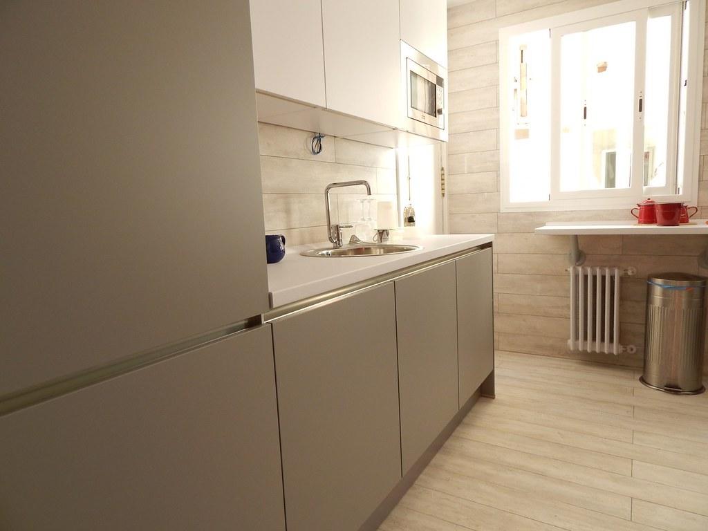 Muebles de cocina en gris perla  cocinasalemanascom