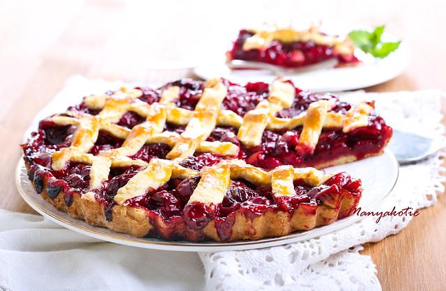 Classic Sour Cherry Pie