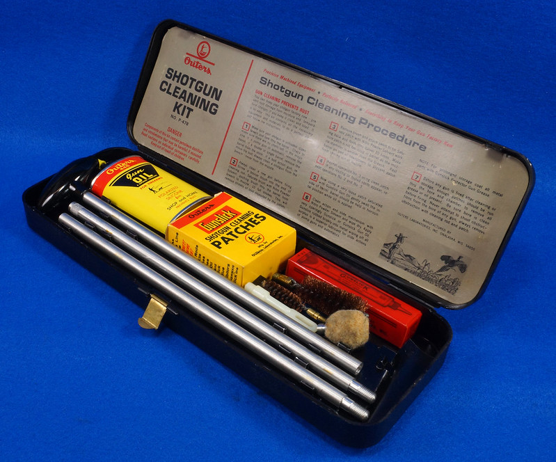 RD14438 Vintage Outers 12 Guage Shotgun Cleaning Kit # P-478 DSC07790