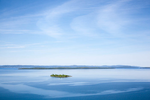 blue sky lake ontario canada green water landscape island spring georgianbay wide minimal greatlakes vista getty manitoulin lakehuron