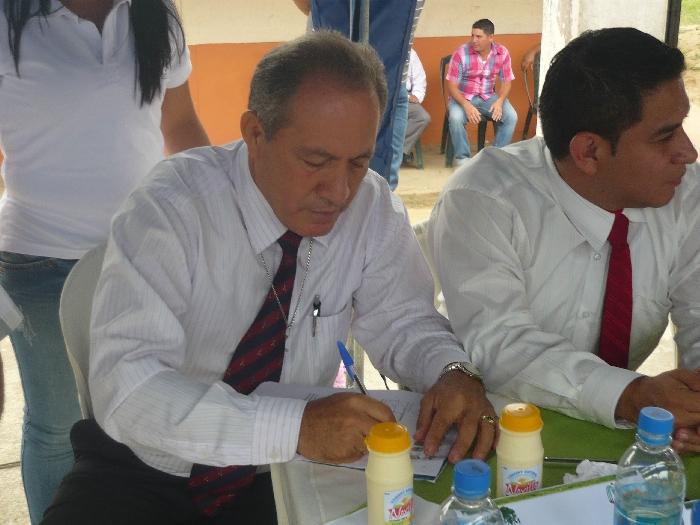 EL ALCALDE DE CHONE DR. DYTON ALCIVAR