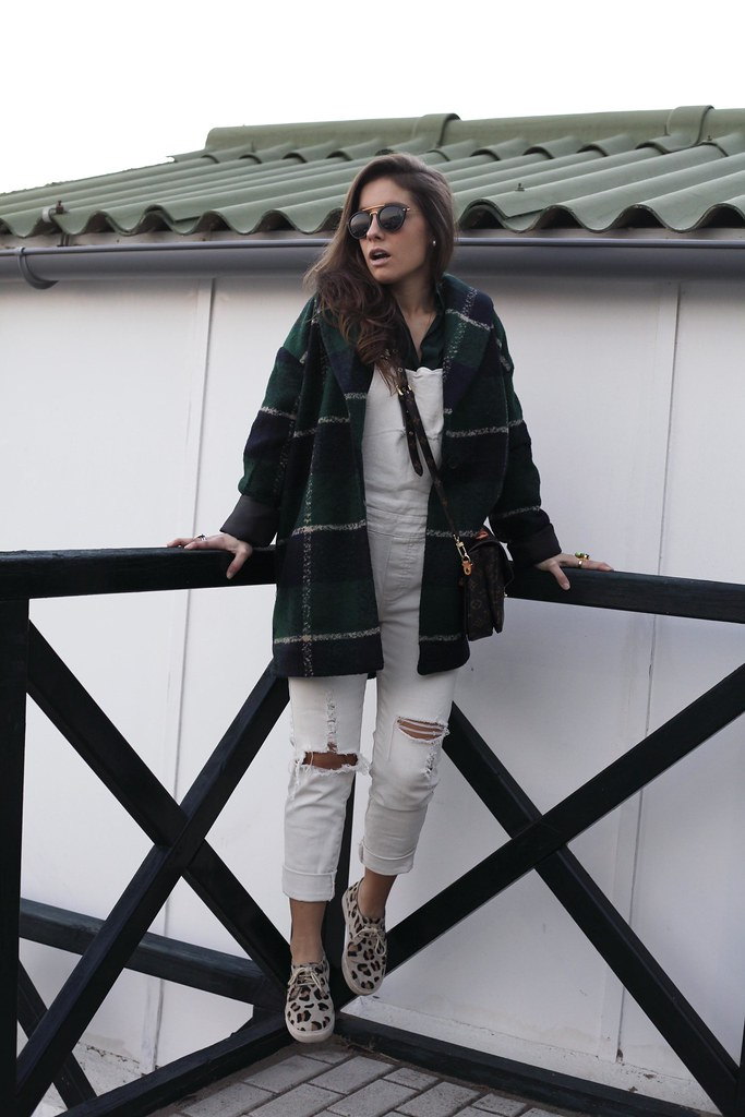 09_Green_tartan_coat_theguestgirl_outfit_laura_santolaria_blogger_barcelona_influencers_inspo_looks_casual
