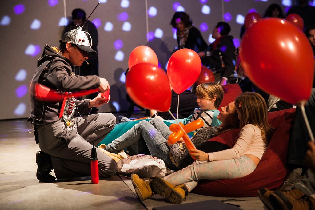 20161219 TASZ MONDO Zoli a csodálatos robot előadás