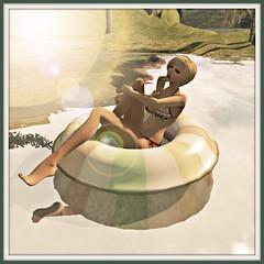 Chez Moi Navy Love floatie
