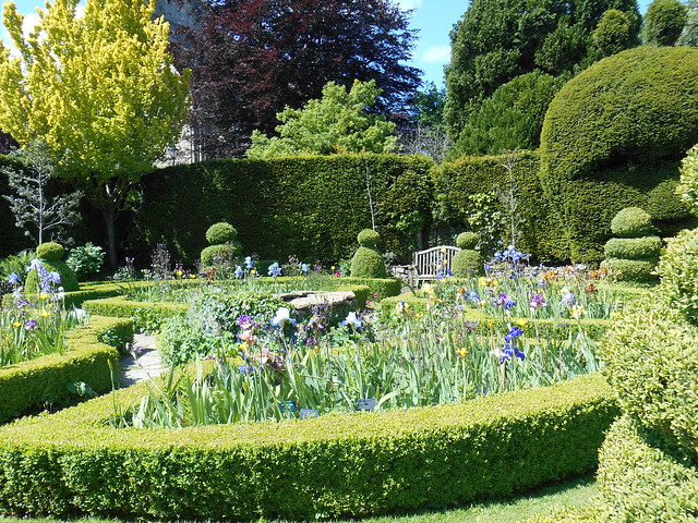 Header of Abbey House Gardens