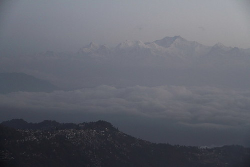 india mountain night montagne pic summit himalaya nuit darjeeling inde sommet kangchenjunga