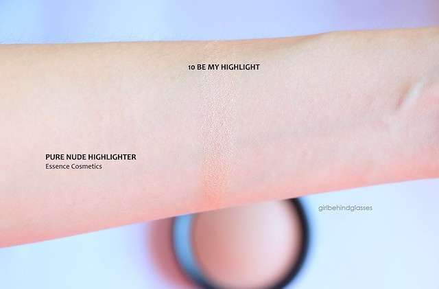 Essence Pure Nude Highlighter swatch