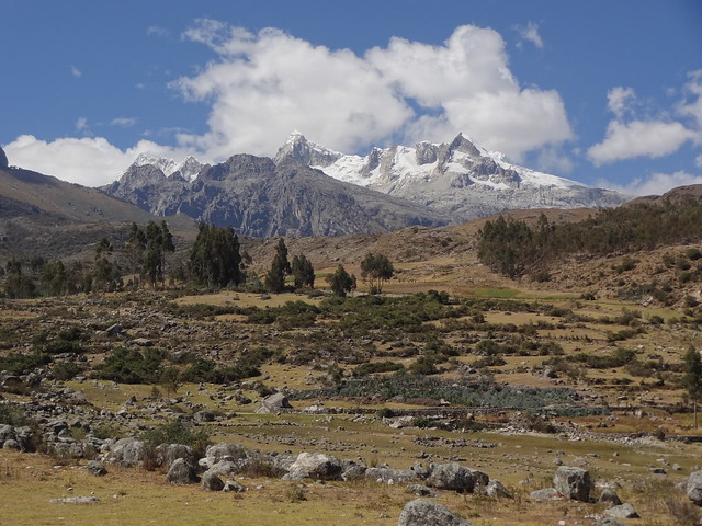 Highlights of the Cordillera Blanca Traverse: Honco Pampa