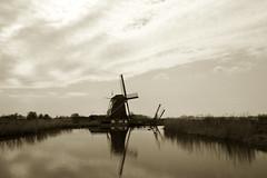 (mill) molen 'T hoog en Groenland, Rijksstraatweg 2, Baambrugge, Netherlands