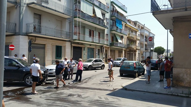 Conversano- incidente in via Flaviano angolo de Amicis (3)