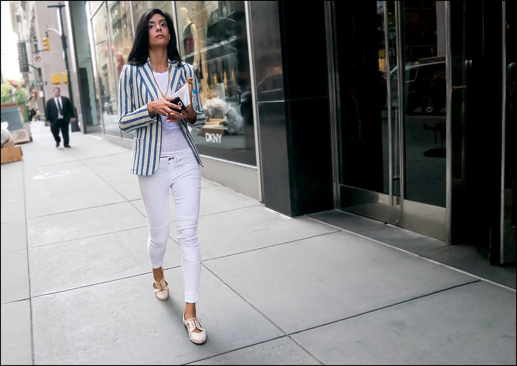 SS7-15 20w skinny white pants striped white blue blazer over see thru lace white shirt cut out flats