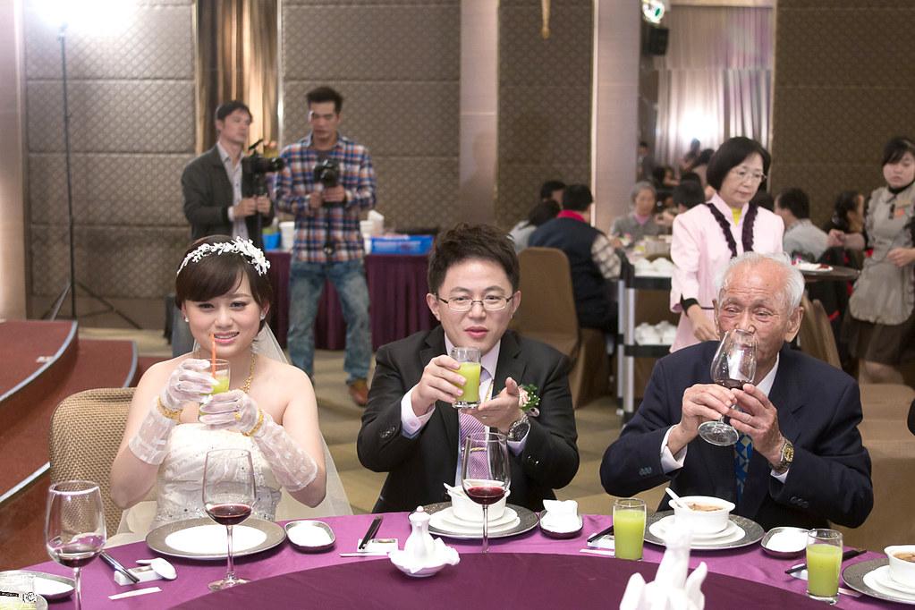 台南婚攝-繼中&佳芸-迎娶午宴 X 東東宴會式場-東嬿廳 (73)