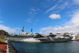 USS Midway Museum görüntü. sandiego california ship water bay exhibit aircraft carrier