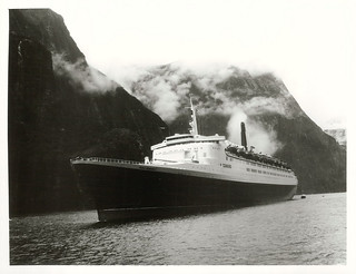 Southland: Cunard Line's Queen Elizabeth 2, arriving and departing Milford Sound in the rain