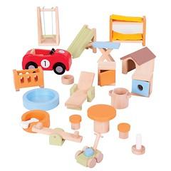 Ett nytt möbelset till dockskåpet i solit trä med roliga detaljer till trädgård, lekplats, kök och husdjur! #dockskåp #möbler #trämöbler #dockskåpsmöbler #leksaker #träleksaker #smultronbyn #bigjigs