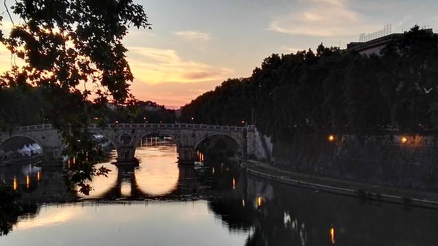 Der Tiber bei Trastevere stromaufwärts mit dem HDR-Modus