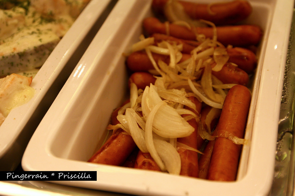 Breakfast in Club Lounge - Sausages