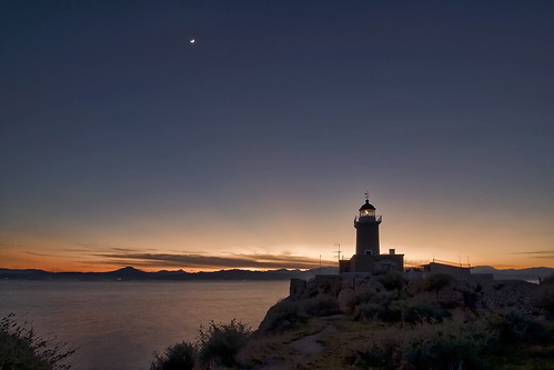 silhouette lighthouse moon peloponnese peloponnisos greece cape rock dusk pentaxks2