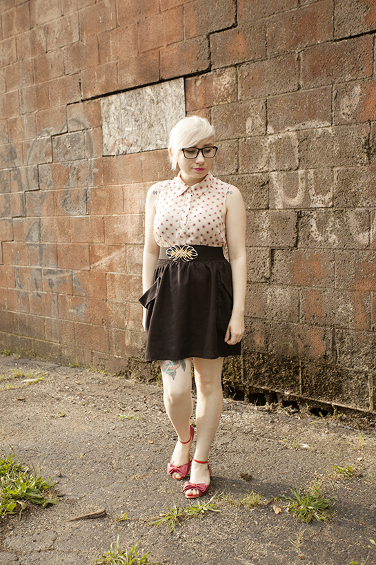 black skirt, sheer top, spring style, petite style, seychelle's