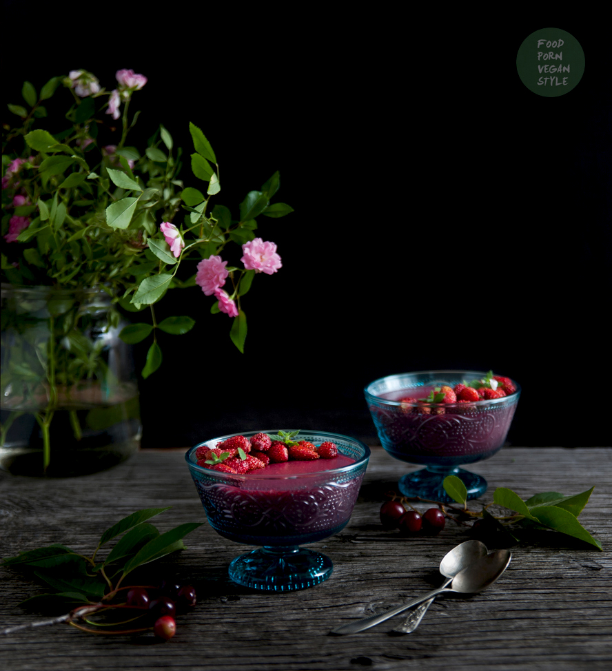 "Vegan cherry ""jelly"" pudding with wild strawberries and melissa"