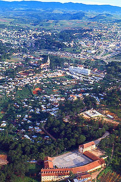 DALAT 1967-71 - Taken by Ken Thompson - Collège d'Adran hay École d'Adran - Trường Adran Đà Lạt, còn có tên gọi là Lasan Adran.