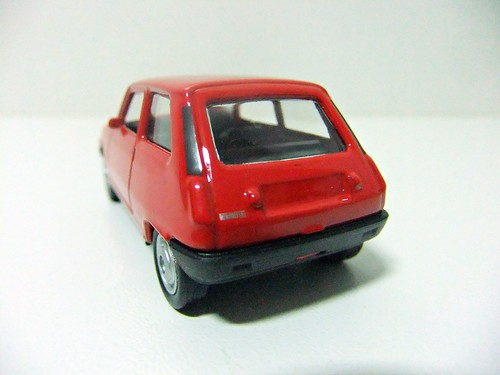 RENAULT 5 - WELLY / SUPER 9