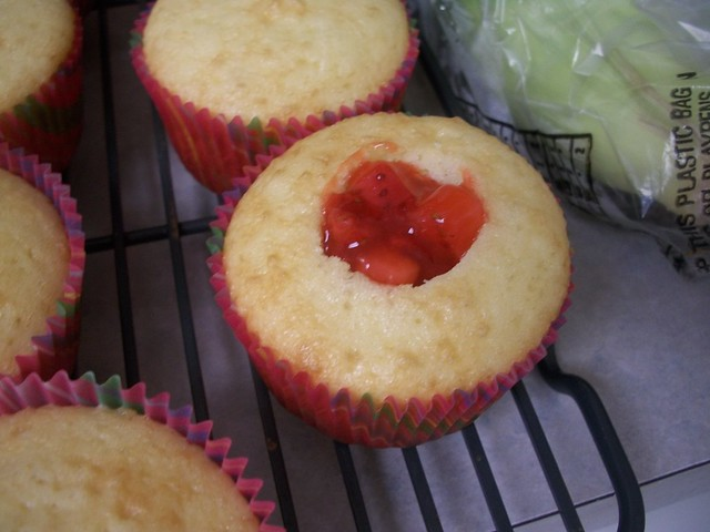 mango strawberry cupcakes 3