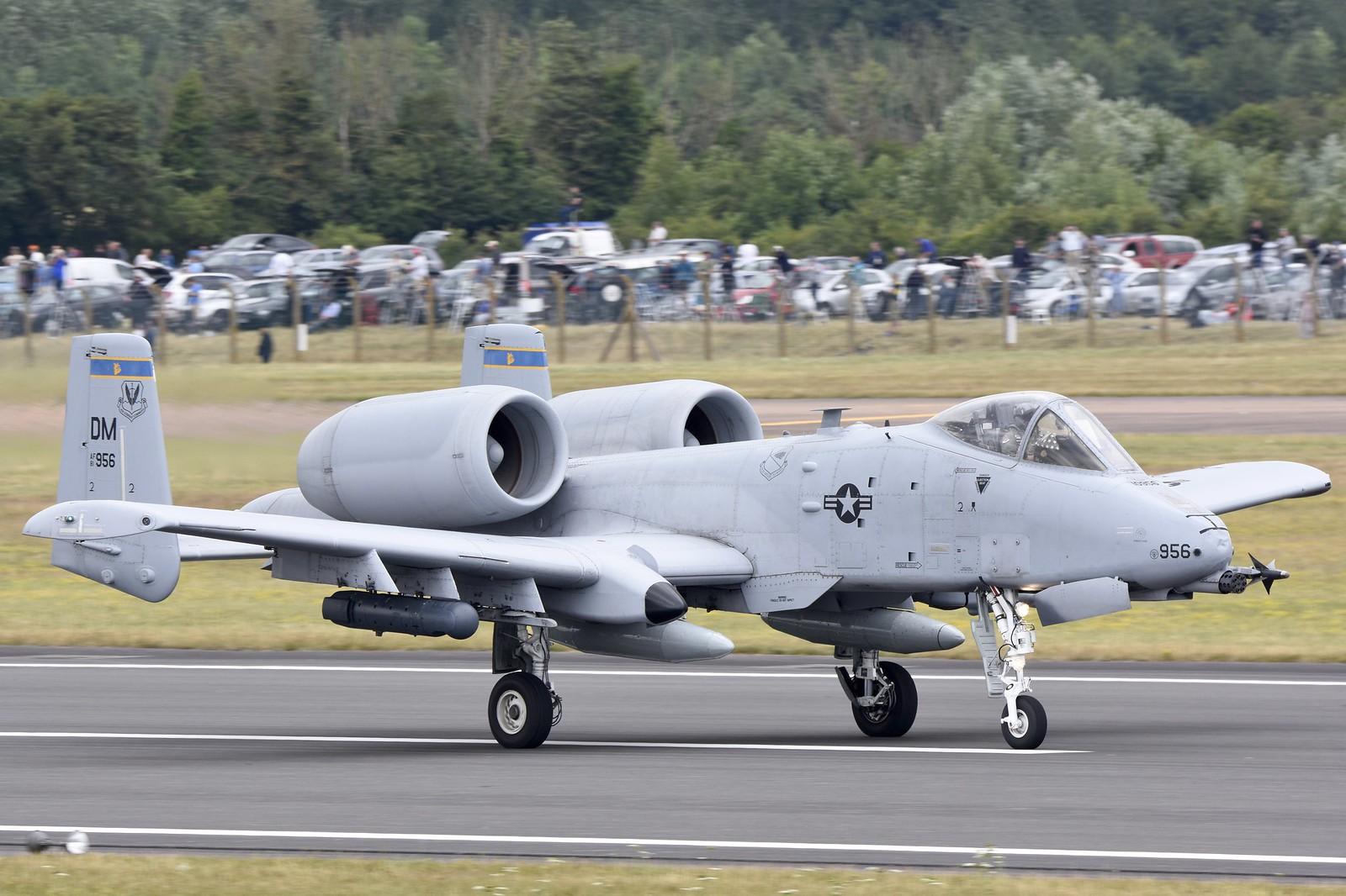 A-10 Thunderbolt 19738376132_88f3483e05_h