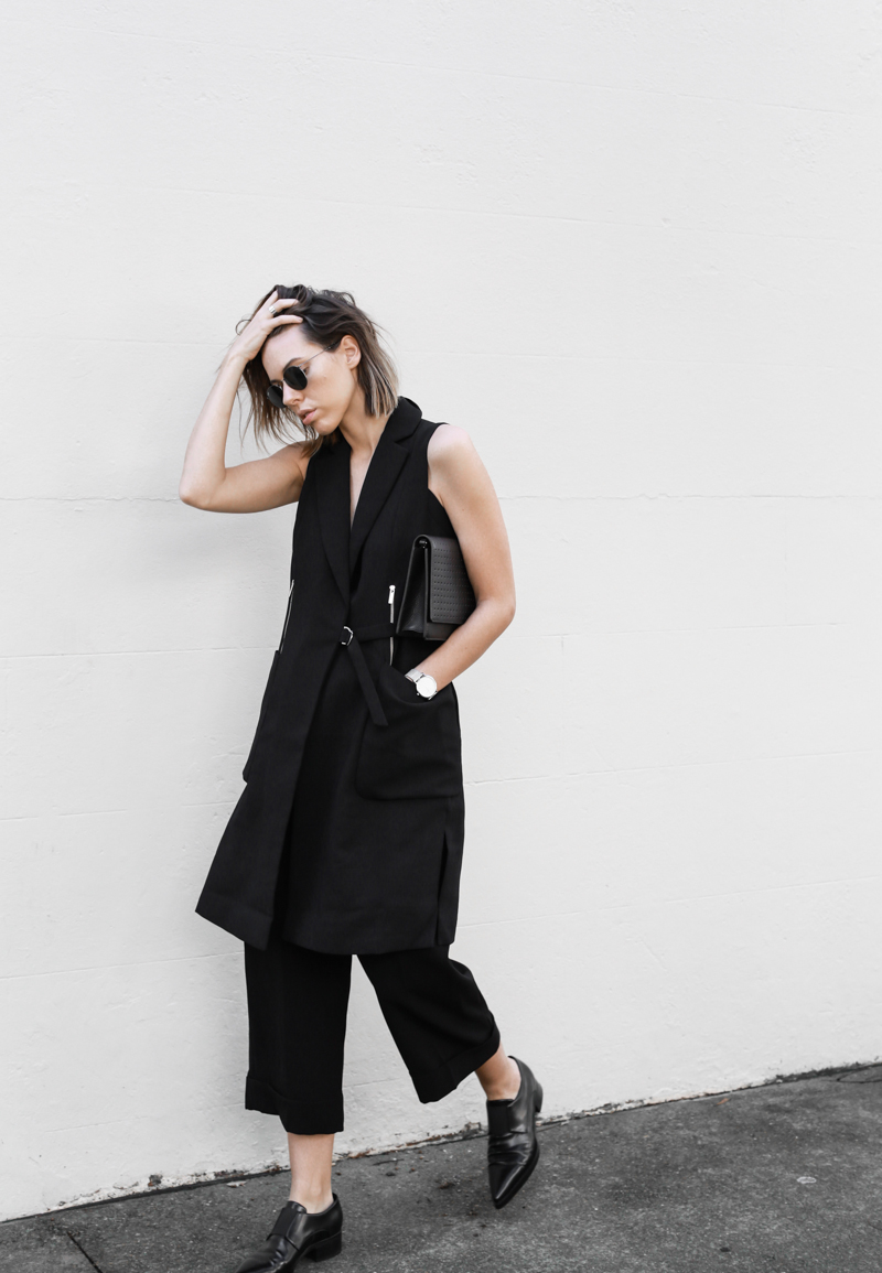 modern legacy, fashion blog, all black street style, work wear inspo, culottes, cuffed pants, Stella McCartney loafers, Karen Millen, D-ring belt (1 of 1)