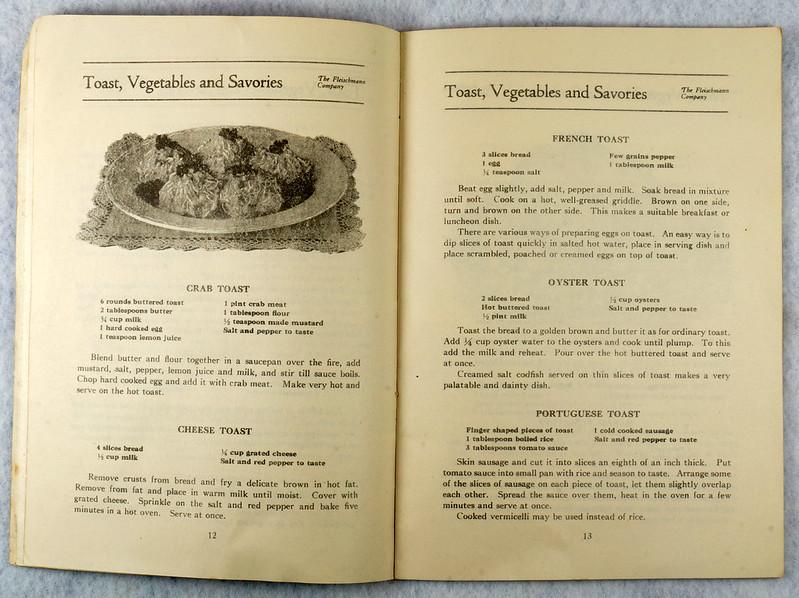 RD4157 1919 Fleischmann Yeast Cook Book Booklet - 65 Delicious Dishes DSC08637