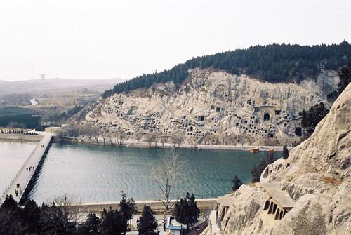 Longmen Grottoes (龙门石窟)