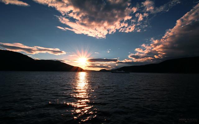 Saguenay River Sunset - Parc National du Fjord du Saguenay (Québec, Canada)
