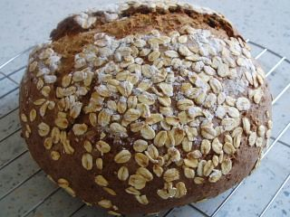 Stout and oat bread-sm1