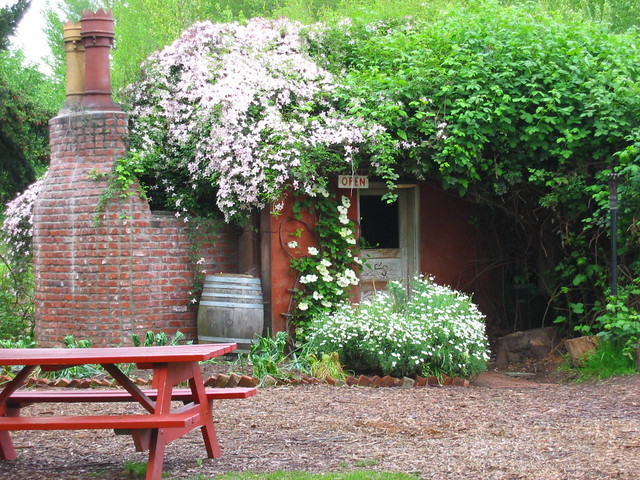 The Little Red Shed At Mcmenamins Edgefield Troutdale