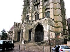 Noyon Cathedral West Facade 05