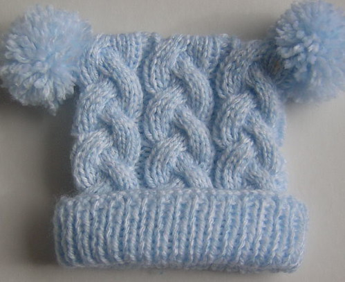 ... cabled baby hat  e45eaaf8854e