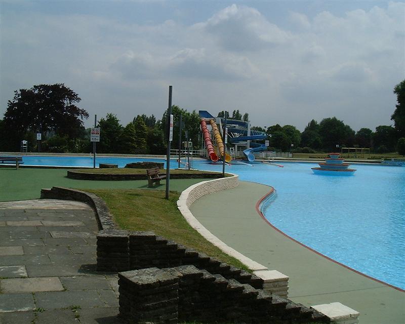 Aldershot lido before the crowds a photo on flickriver for Aldershot swimming pool burlington