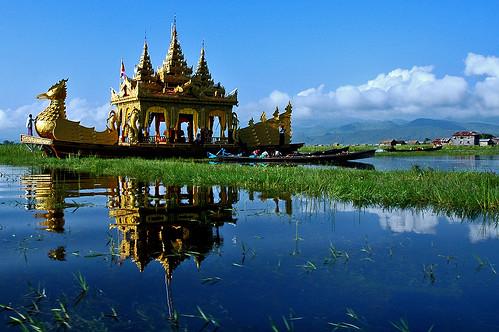 Phaung Daw U Festival, Lake Inle, Burma - 無料写真検索fotoq