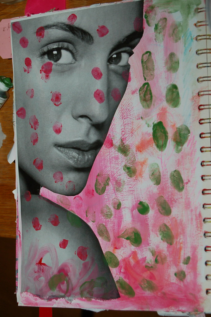 Finger prints in iHanna's Art Journal #artjournaling #studiofriday